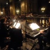 Piano, hautbois, violon pour louer et adorer le Seigneur