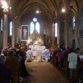 Adoration du Très Saint Sacrement présidée par Mgr Centène