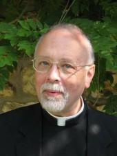 Père Michel Simonnet, aumonier de la garde républicaine
