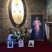 Exposition des reliques à la Chapelle des Apparitions