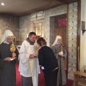 Vénération des reliques dans la Chapelle des Apparitions