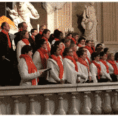 Jeune choeur liturgique dimanche